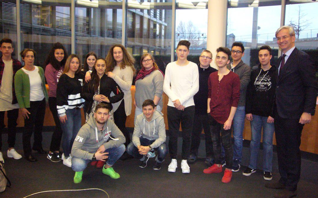 GSS trifft Bundestagsabgeordnete im Reichstag in Berlin