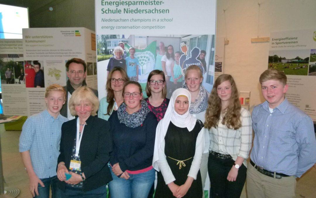 Schülerdelegation der Gesamtschule Schinkel auf der Internationalen Kommunalen Klimakonferenz in Hannover