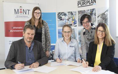 Neue Kooperation im IHK-Projekt Schule-Wirtschaft: PURPLAN und Gesamtschule Schinkel vereinbaren Zusammenarbeit