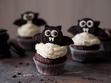 Leckere Halloween-Fledermaus-Cupcakes